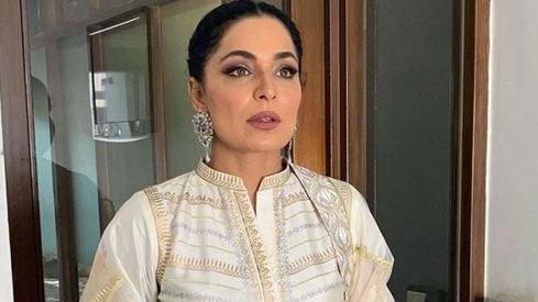 Meera asks PM Imran Khan to help her return to Pakistan