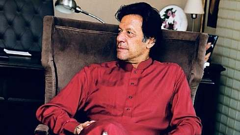 Imran Khan's red kurta is winning Twitter's latest trend