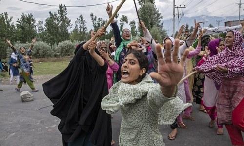 مقبوضہ کشمیر میں بھارتی مظالم دنیا کو دکھانے والے فوٹوگرافرز نے ایوارڈ جیت لیا