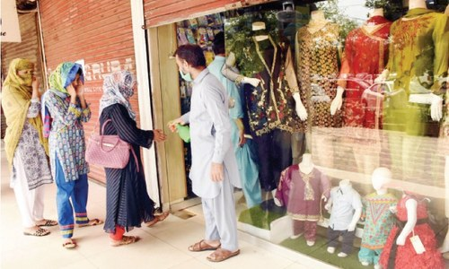 Markets in Pindi open, ignoring Punjab govt's directives