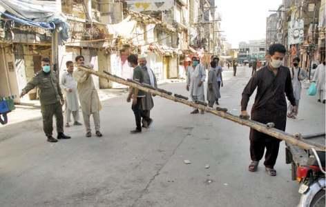 Pindi district admin seals markets, imposes fines for coronavirus SOP violations
