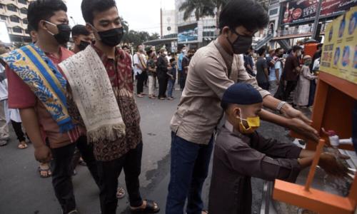 Muslims celebrate Eidul Fitr amid coronavirus pandemic