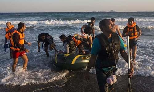 لیبیا: کوسٹ گارڈز نے سینکڑوں مہاجرین کو گرفتار کرلیا