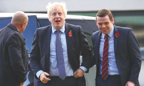 UK minister resigns over PM adviser's lockdown trip