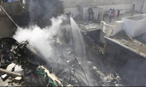کراچی میں تباہ ہونے والے طیارے کا کاک پٹ وائس ریکارڈر تاحال نہیں مل سکا
