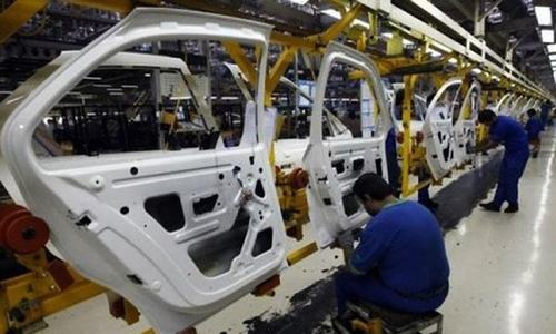 Auto plants see partial revival amid confusion