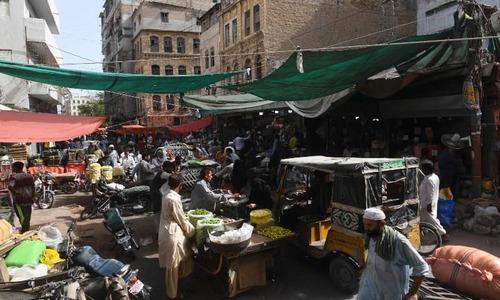 Pakistan reports over 3,200 new coronavirus cases as govt mulls further easing lockdown measures