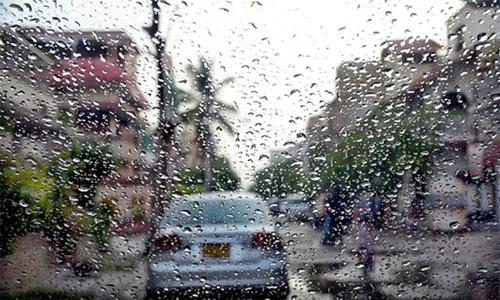 کراچی کے مختلف علاقوں میں بارش اور بوندا باندی، بجلی غائب