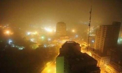 کراچی میں شدید آندھی، حادثات میں 4 افراد ہلاک