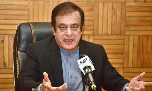 وفاقی وزیر اطلاعات نے لاک ڈاؤن میں نرمی سے متعلق حکومتی فیصلے پر غلطی تسلیم کرلی