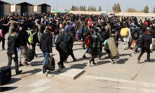 ایران میں گاڑی میں آگ لگنے سے افغان مہاجرین کی ہلاکت پر شدید ردعمل