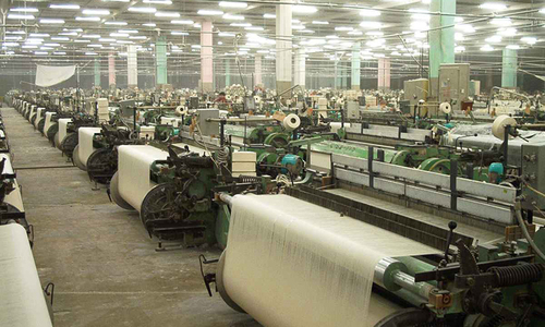 Textile exports tumble 36.5pc in May