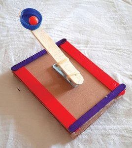 Wonder Craft: Popsicle stick catapult