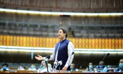 PM Imran defends govt's Covid-19 response, says there has been no 'confusion' or contradiction