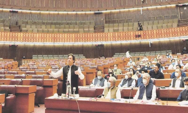 Imran rubbishes talk of 'minus one' formula