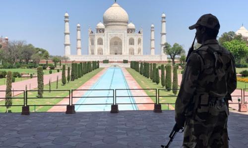 بھارت میں سخت پابندیوں کے ساتھ تاج محل کھولنے کا فیصلہ