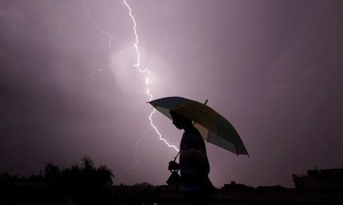 بھارت: بہار میں آسمانی بجلی گرنے سے 10 روز میں 147 افراد ہلاک