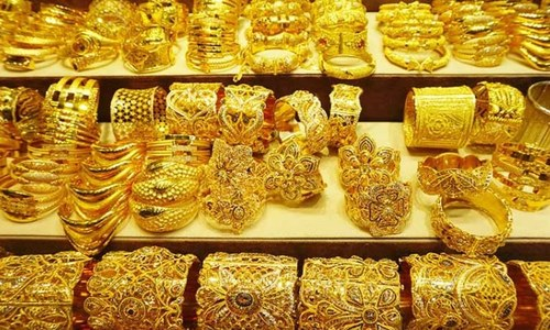 سونے کی فی تولہ قیمت ایک لاکھ 9 ہزار روپے سے بڑھ گئی