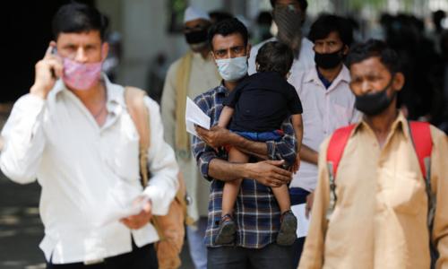 India locks down IT hub as virus cases top 900,000