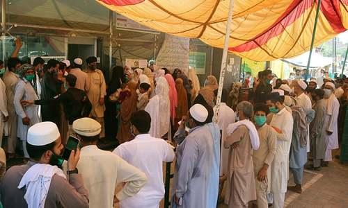 پاکستان میں کورونا کیسز میں 713، صحتیاب افراد کی تعداد 2 ہزار 154 کا اضافہ