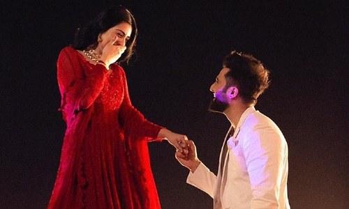 اداکارہ سارہ خان اور گلوکار فلک شبیر نے منگنی کرلی