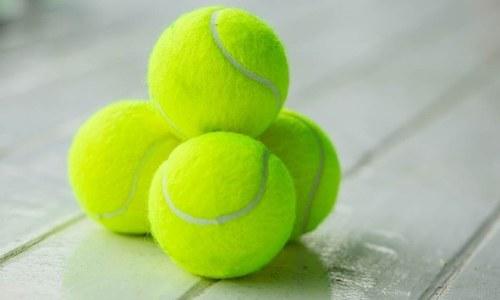 ہر سفر کے دوران ایک ٹینس بال آپ کے سامان میں کیوں ہونی چاہیے؟
