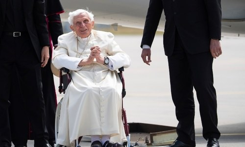 Former pope Benedict seriously ill, 'suffering from shingles': report