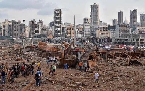At least 10 killed, hundreds injured as massive explosion sends shockwaves across Beirut
