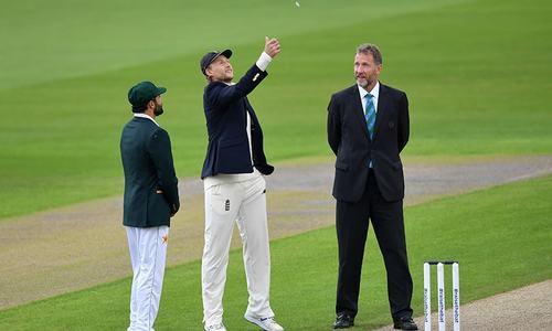 پہلا ٹیسٹ: پاکستان کا انگلینڈ کیخلاف ٹاس جیت کر بیٹنگ کا فیصلہ