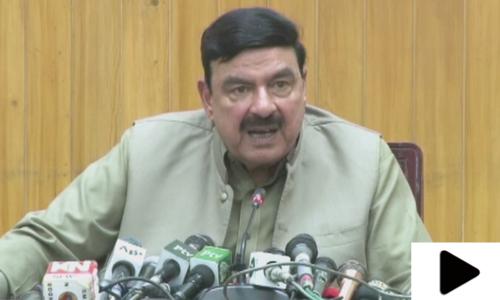 'شریف اور زرداری خاندان کی کوئی سیاست نہیں'