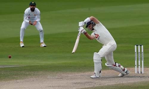 مانچسٹر ٹیسٹ: 277 رنز کے ہدف کے تعاقب میں انگلینڈ کا پراعتماد آغاز