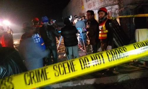 کراچی: گلشن حدید میں کریکر حملے میں 5 افراد زخمی