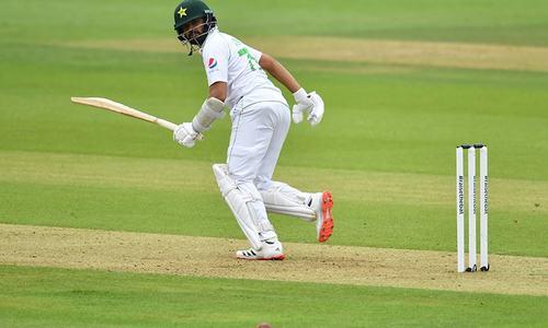 دوسرا ٹیسٹ: ایک وکٹ گرنے کے بعد پاکستان کی ذمے دارانہ بیٹنگ