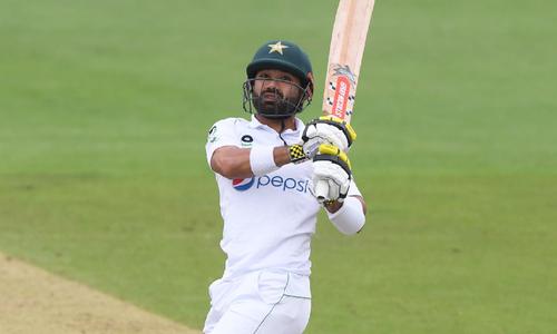 دوسرا ٹیسٹ: پاکستان نے انگلینڈ کے خلاف 9 وکٹوں پر 223 رنز بنالیے