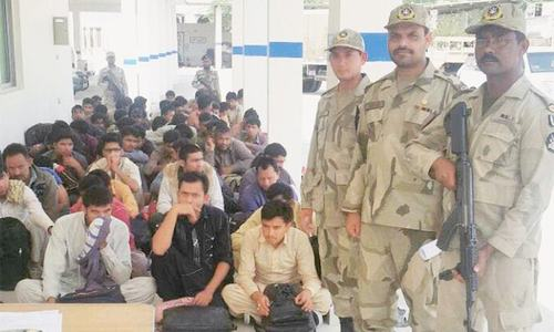 Thousands of illegal migrants jailed in Iran, Pakistan told