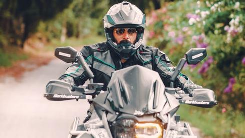Umair Jaswal bikes through Pakistan the rockstar way