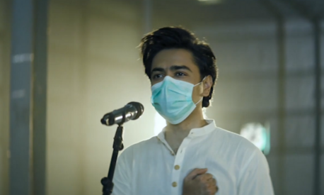 Here's why Shehzad Roy is presenting Pakistan's national anthem with his mask on