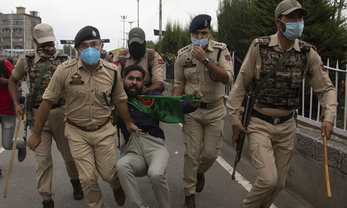 Indian troops open fire on procession in occupied Kashmir