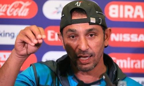 Azhar Mahmood happy to help England bowlers