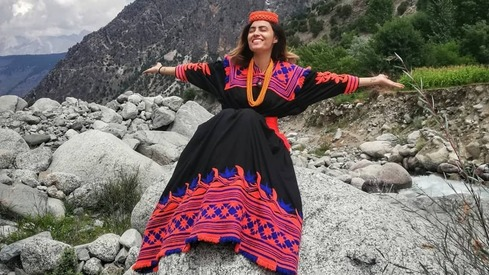 This Pakistani woman spent half of 2020 hitchhiking all across the country