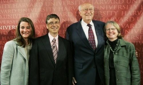 مائیکرو سافٹ کے بانی بل گیٹس کے والد 94 سال کی عمر میں انتقال کرگئے