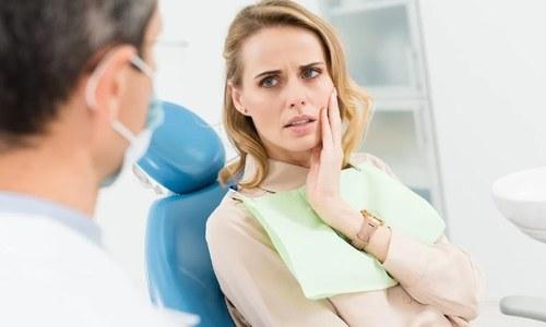 کورونا وائرس لوگوں کی دانتوں کی صحت کے لیے خطرہ بن گیا