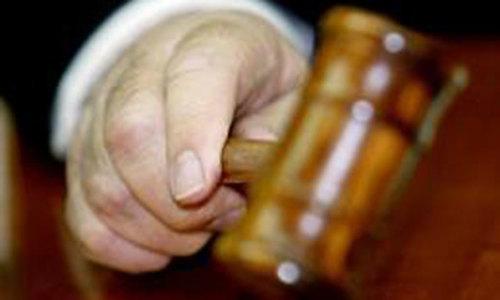 کراچی: پولیس افسر کے قتل کے الزام میں گرفتار 5 ملزمان بری