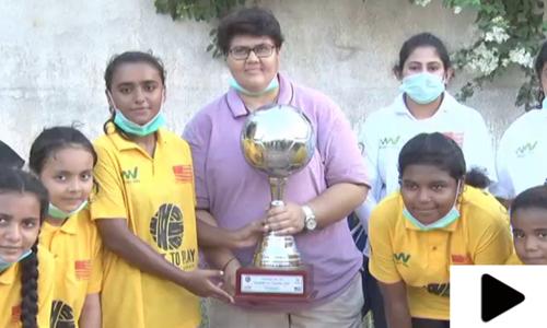 کراچی میں بااختیار خواتین پروگرام کے تحت فٹبال ٹورنامنٹ کا انعقاد