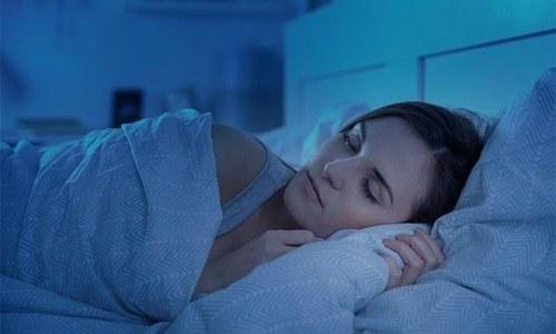 بہت کم یا بہت زیادہ نیند دماغ کے لیے نقصان دہ