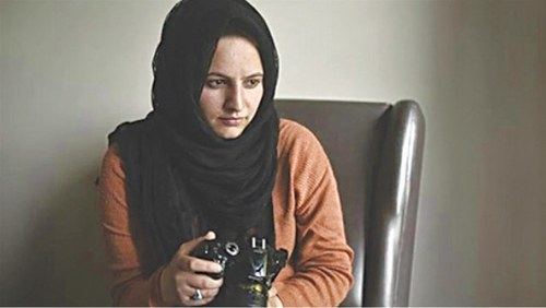 Kashmiri journalist Masrat Zahra wins award