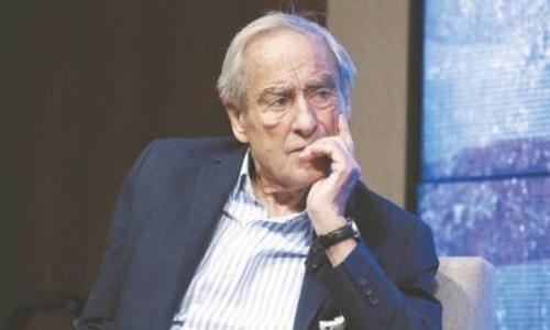 Trailblazing journalist Harold Evans dies at 92