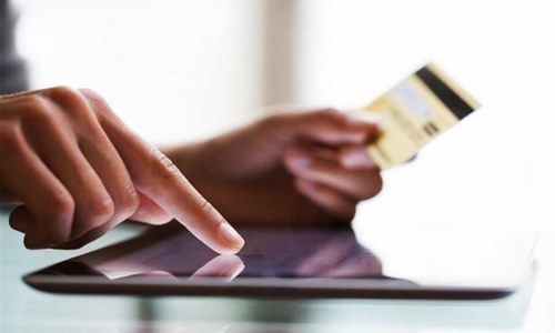SHOPPING ONLINE: THE RISE OF DIGITAL PAYMENTS