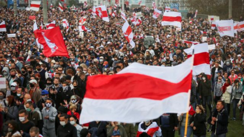 Tens of thousands march in support of Belarus political prisoners