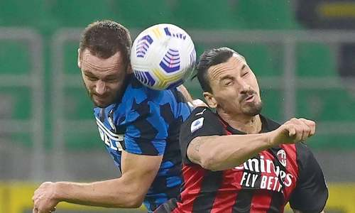 Ibrahimovic returns to score twice as Milan beat Inter